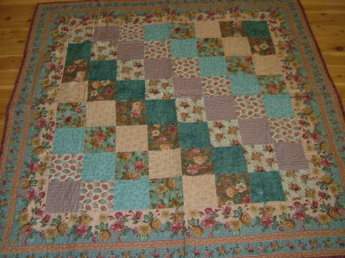 Floral Perfection - a simple quilt with a stunning floral border